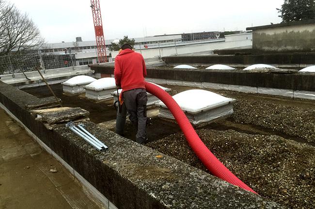 excavatrice-aspiratrice_deblaiement_toit_terrasse_01